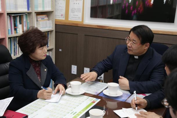 김동희 의장, 설맞이 사회복지시설 방문
